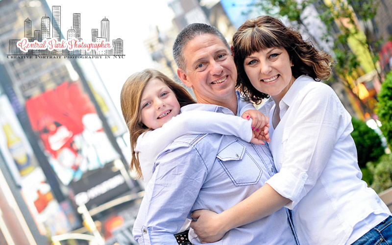 family_Portraits_times_Square